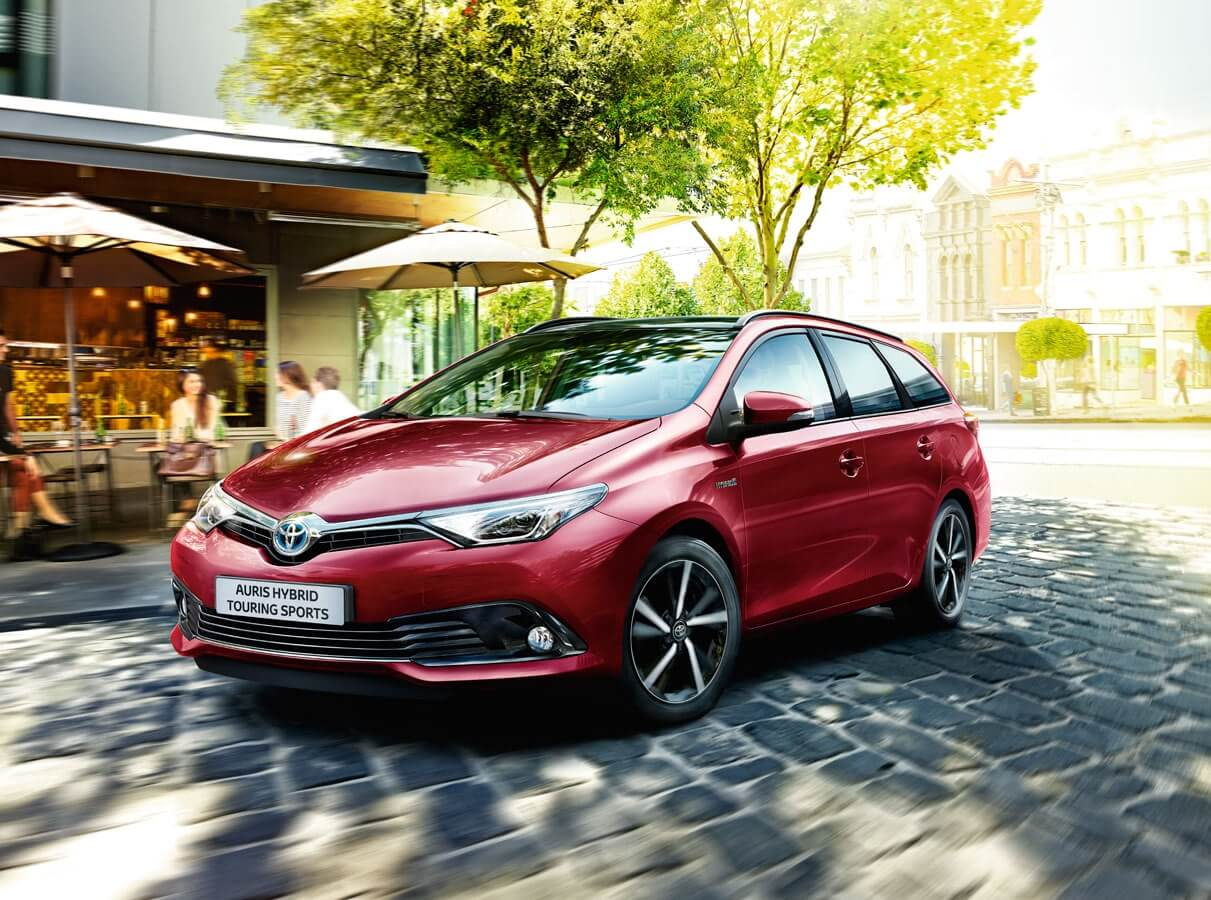 Auris Touring Sports models & features